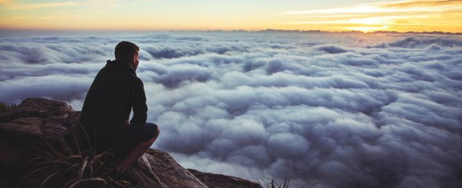 10 Habits Top Performers Follow to Build Powerful Positive Mindsets